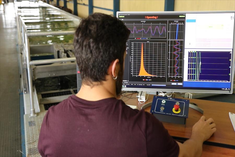 Canal de Ensayos Hidrodinámicos UACh cuenta con nuevas herramientas para análisis de sistemas flotantes.