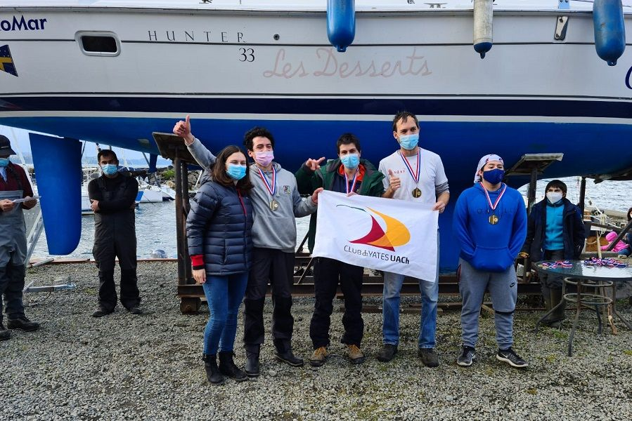 Navegantes del CYUACh destacaron en Campeonato Selectivo Zona Sur SBA realizado en Frutillar